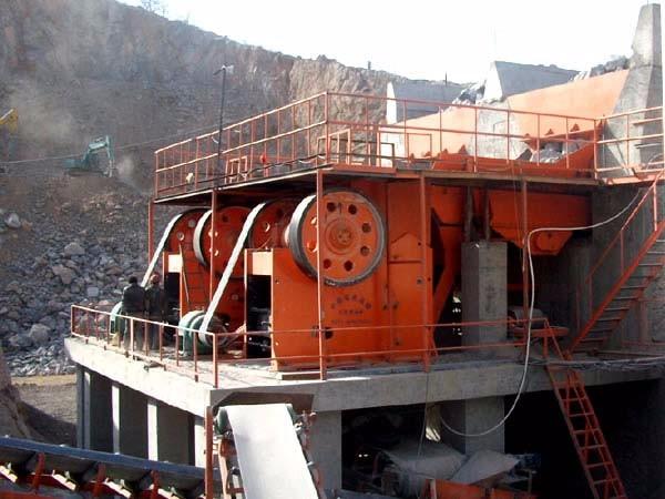 湖北铁矿石破碎机生产现场
